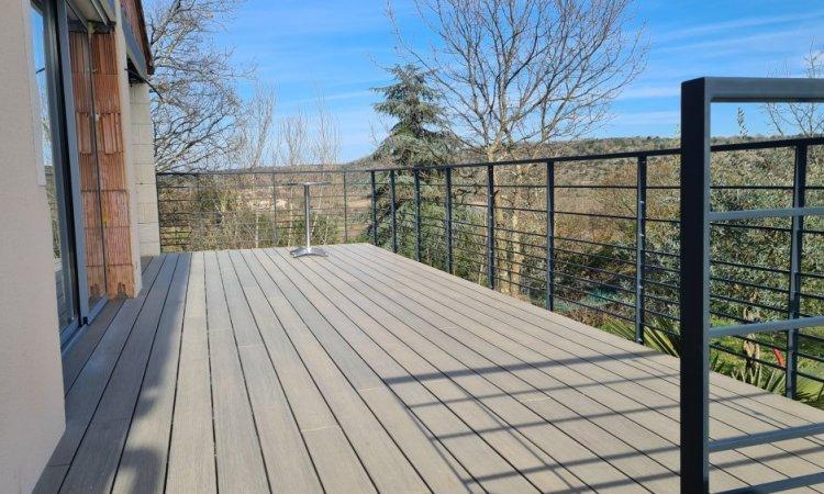 Extension de terrasse en structure métallique acier thermolaqué à Les Assions